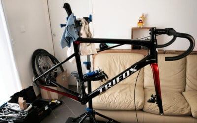 Je monte un vélo de route carbone
